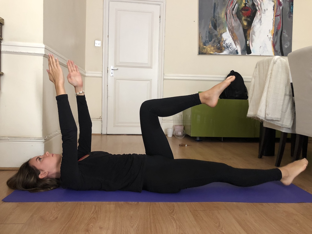arms up single leg extension exercises
