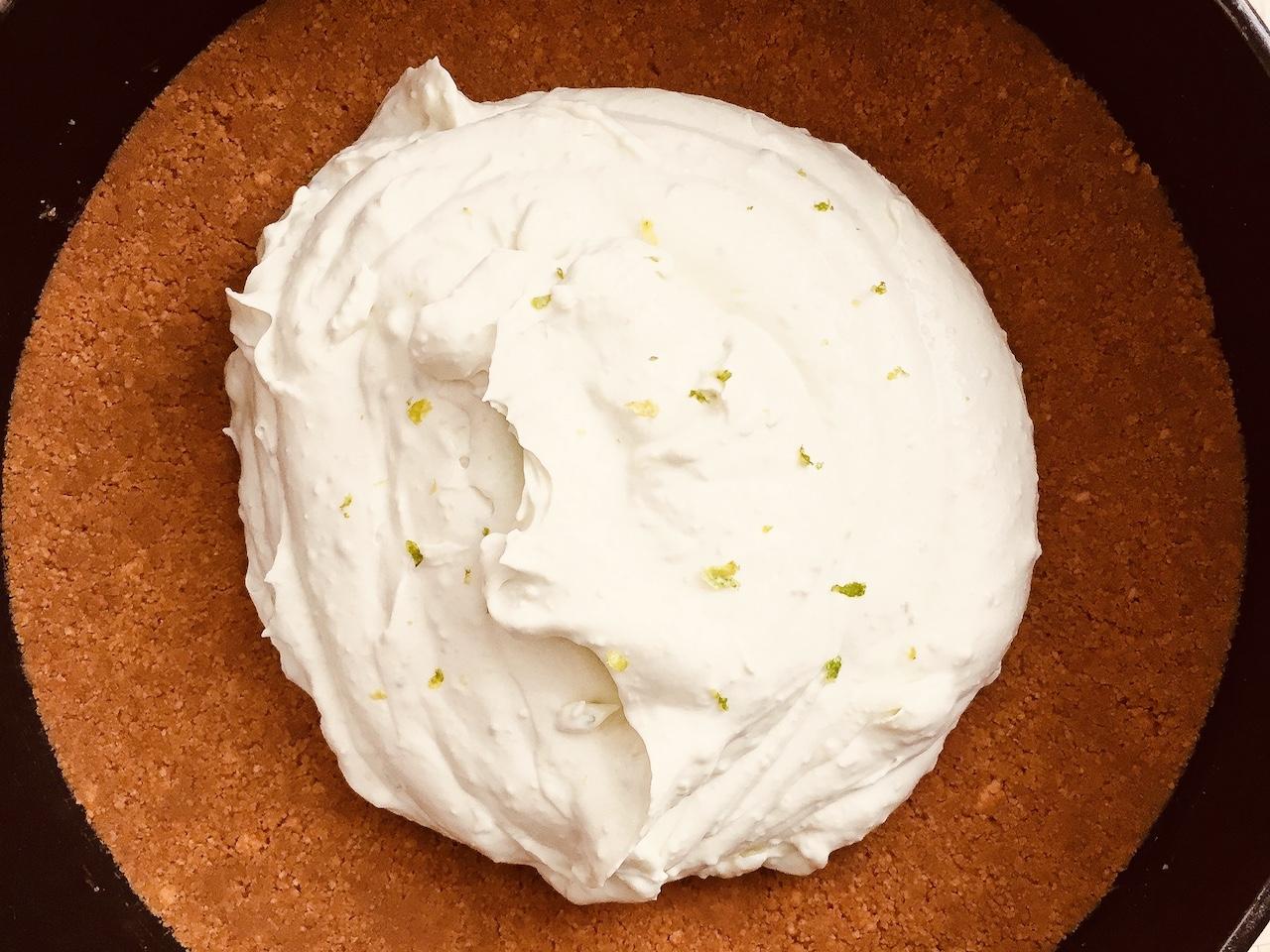 avocado lime cheesecake preparation